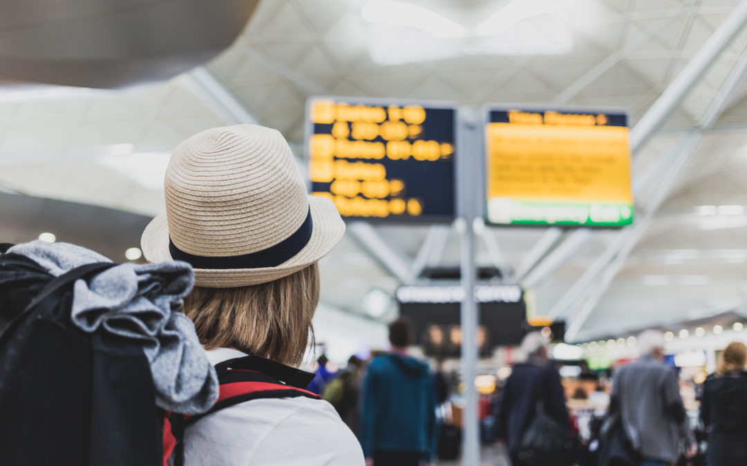 5 Tips on How to Save Money at the Airport